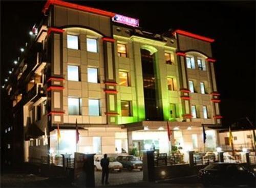 Mandi Hotels