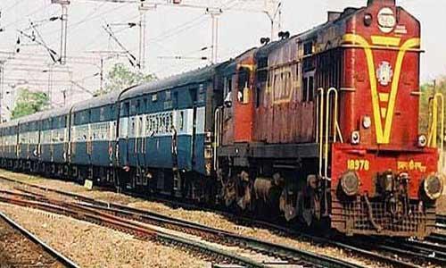 Trains passing through Palampur