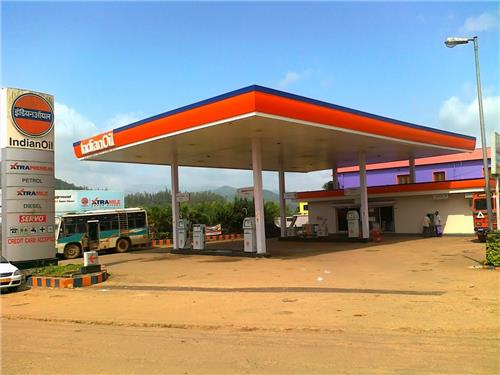 Hissar city's petrol pumps remain open round the cock