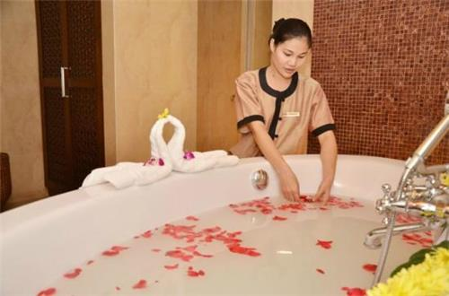 Holistic Bath Spa at Golconda Spa Resort in Hyderabad
