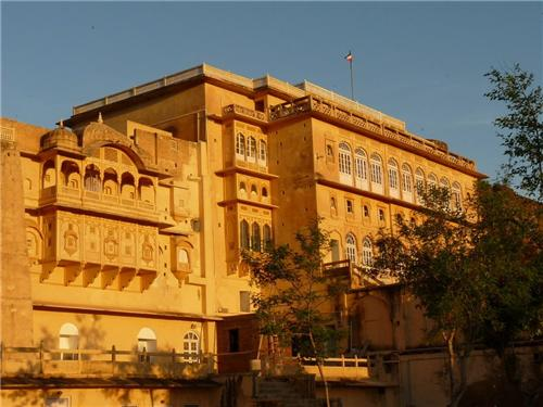 Tourist Places Near Jaipur