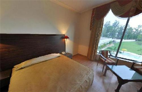 Rooms and suites in The Grand Lilly Resorts in Jalandhar