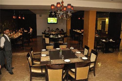 Multi Cuisine Restaurant in Hotel M1 in Jalandhar