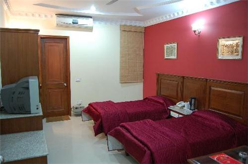 Fabulous accommodations at Hotel Maharaja Residency in Jalandhar