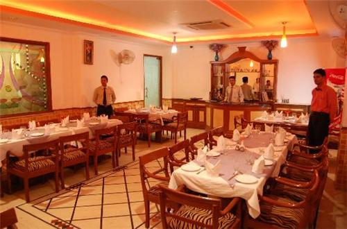 Dining Facility at Hotel Maharaja Residency in Jalandhar