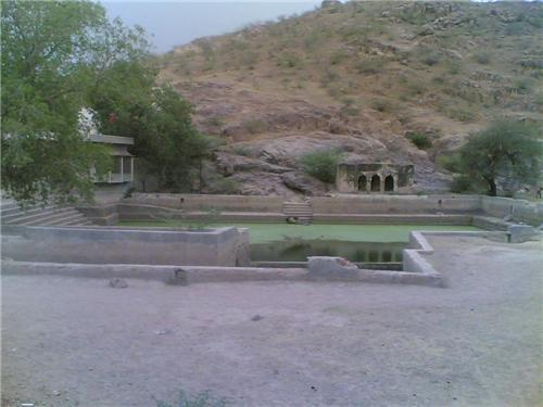 Samas tank in Jhunhjhunu