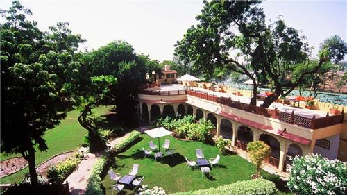 Must see places near Rohetgarh