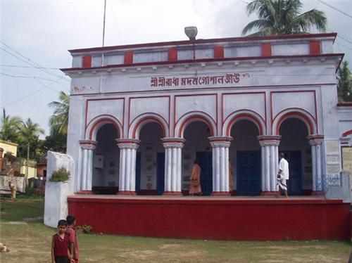 Radha Madan Gopal temple in Shantipur