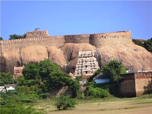 History of Thirumayam Fort