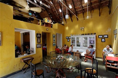 Cafes In Kochi Coffee Shops In Kochi List Of Cafeterias