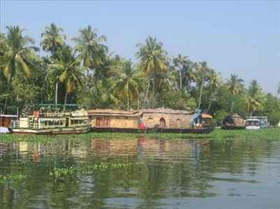 http://im.hunt.in/cg/Kochi/City-Guide/m1m-backwaters(2).jpg
