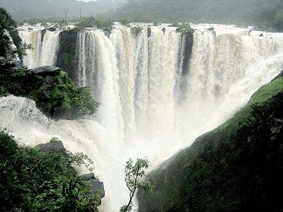 Aruvikkuzhi Waterfalls in Kottayam