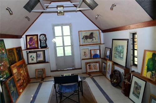 Mozart Art Gallery in Kottayam