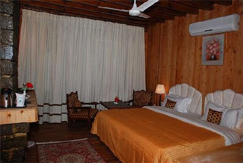Rooms at Apple Valley Resort