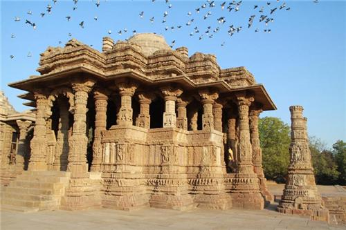 Attractions of Modhera Sun Temple located in Mehsana