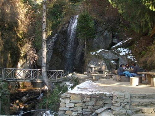 Picturesque View of Jana Falls in Manali