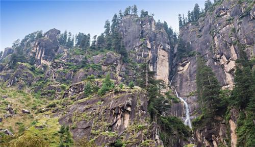 Wonderful Location of Jogini Falls in Manali