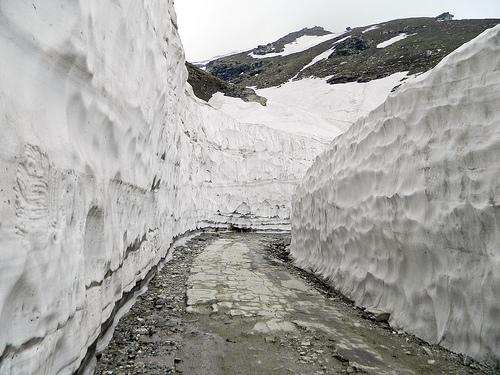 Snow covered Rohtang Pass