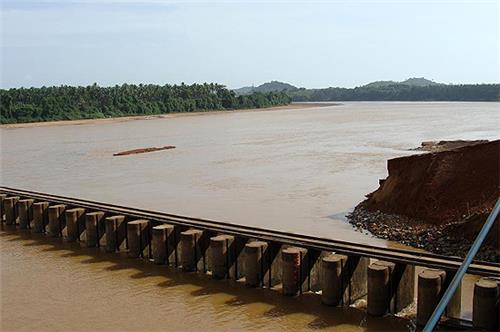 Dam at Nethravati River in Mangalore