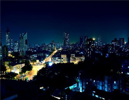 The Streets of Mumbai at Night