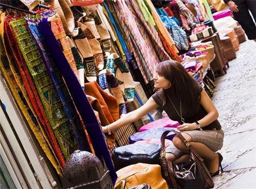 Flea markets in Mumbai