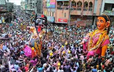 http://im.hunt.in/cg/Nagpur/City-Guide/m1m-marbat-festival2.jpg