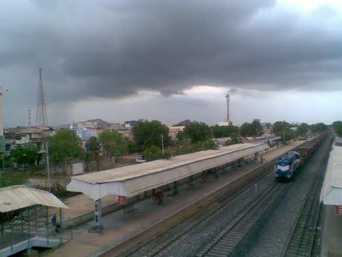 Train services in Pali