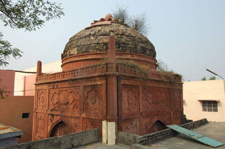 Tomb of Shah Roshan Chiragh