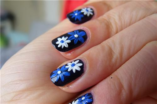 Designer Nail Polish (Source:http://www.goasearch.com/wp-content/gallery/sharwani-saffron/bp2-1374570869.jpg)