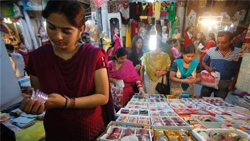 Shopping in Phusro