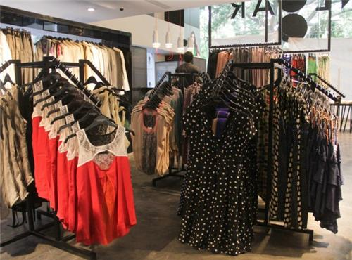Apparel Showrooms in Raipur