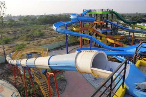 Water Park Facilites at Fun World Amusement Park in Rajkot