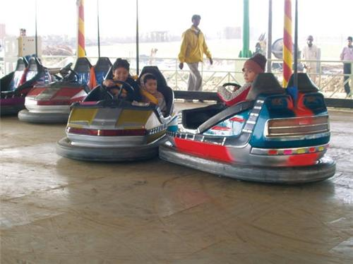 Enjoyable acitivities at Fun World Amusement Park in Rajkot