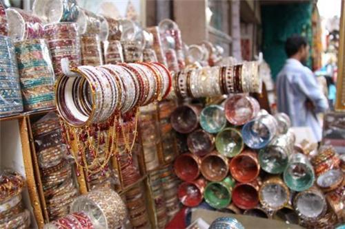 Bangdi Bazaar in Rajkot