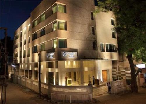 Hotel Comfort Inn Legacy in Rajkot