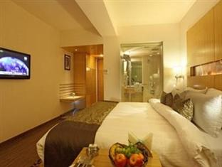 Accommodations at Hotel Comfort Inn Legacy in Rajkot