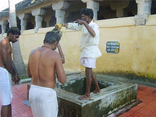 Nala Theertham in Rameswaram