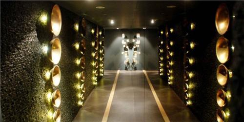 Featured Interior of Radisson Blu Hotels & Resort in Ranchi