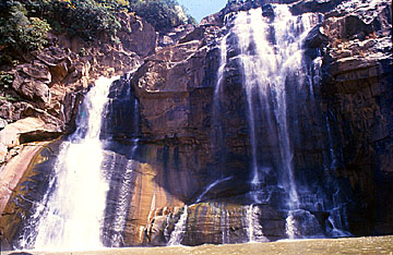 Famous Hundru Water Falls in Ranchi