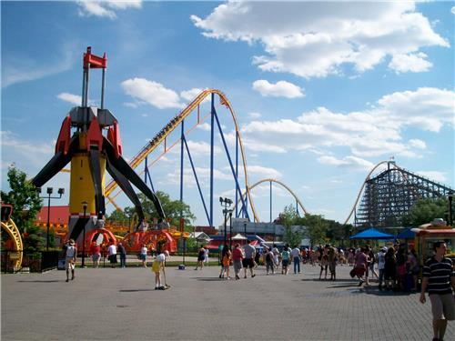 Thrilling rides at Hip Hip Hurray Amusement Park at Shimla