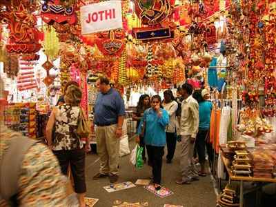 Shopping in Siwan