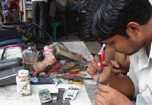 Mobile Repair Shops in Solapur