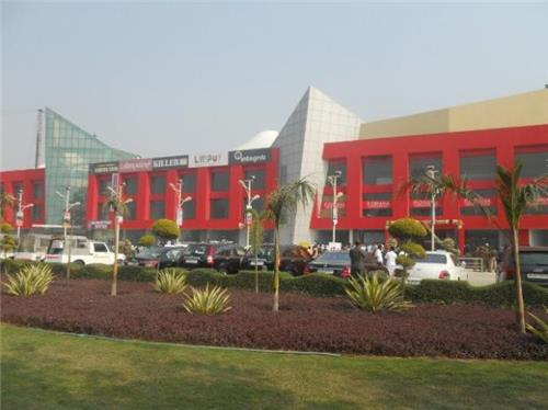 Attractive TDI Mall in Sonipat