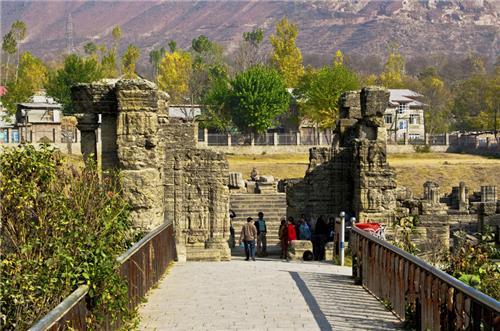 Srinagar to Avantipur