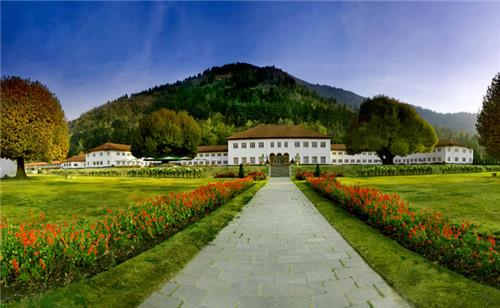 The Lalit Grand Palace in Srinagar