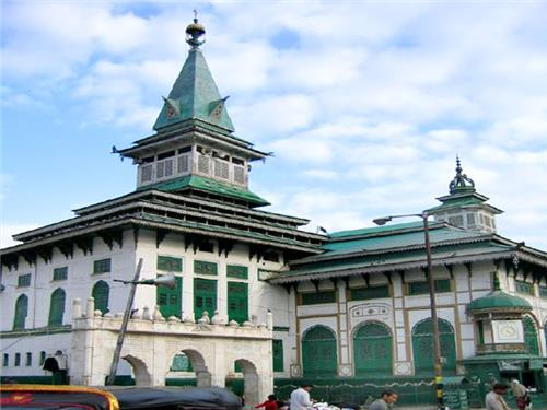 Dastgir Sahib Shrine in Srinagar
