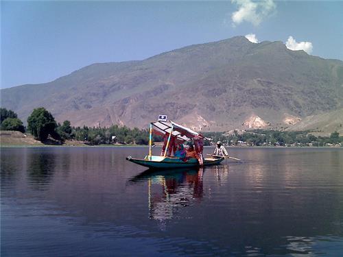 Things to do at Manasbal Lake in Srinagar