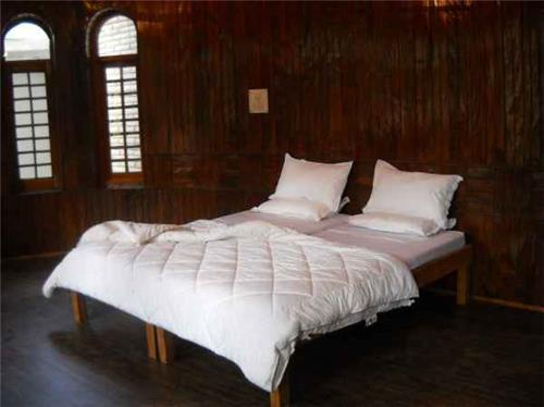 Accommodation in Mirani Resorts in Srinagar