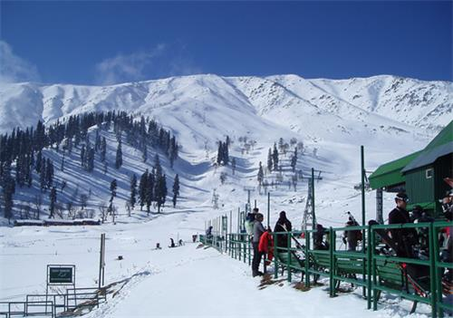 Srinagar to Gulmarh