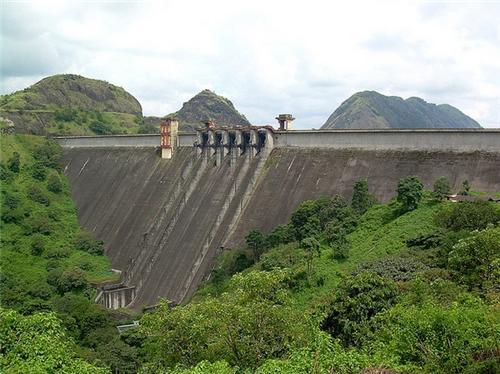 Cheruthoni Dam near Thiruvananthapuram